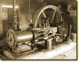 1705 Première machine à vapeur, construite par les mécaniciens anglais T. Newcomen et T. Savery