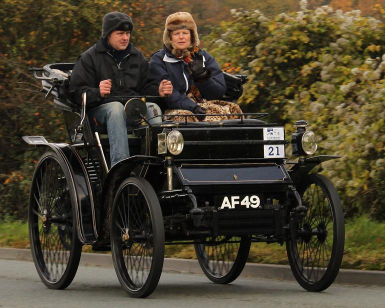 Peugeot 6hp vis a vis 1898